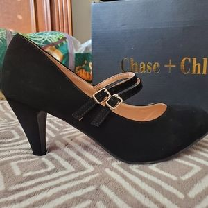 Chase + Chloe pumps